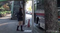 平成生まれの女子校正がバスの中で集団レイプ!制服着たまま犯される